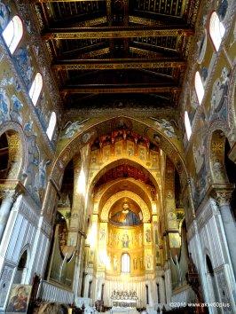 "Zentrale Apsis mit der monumentalen Halbfigur ""Christus Pantokrator"""