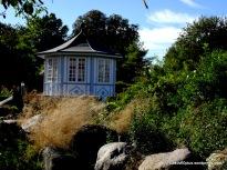 Pavillon im Rosengarten